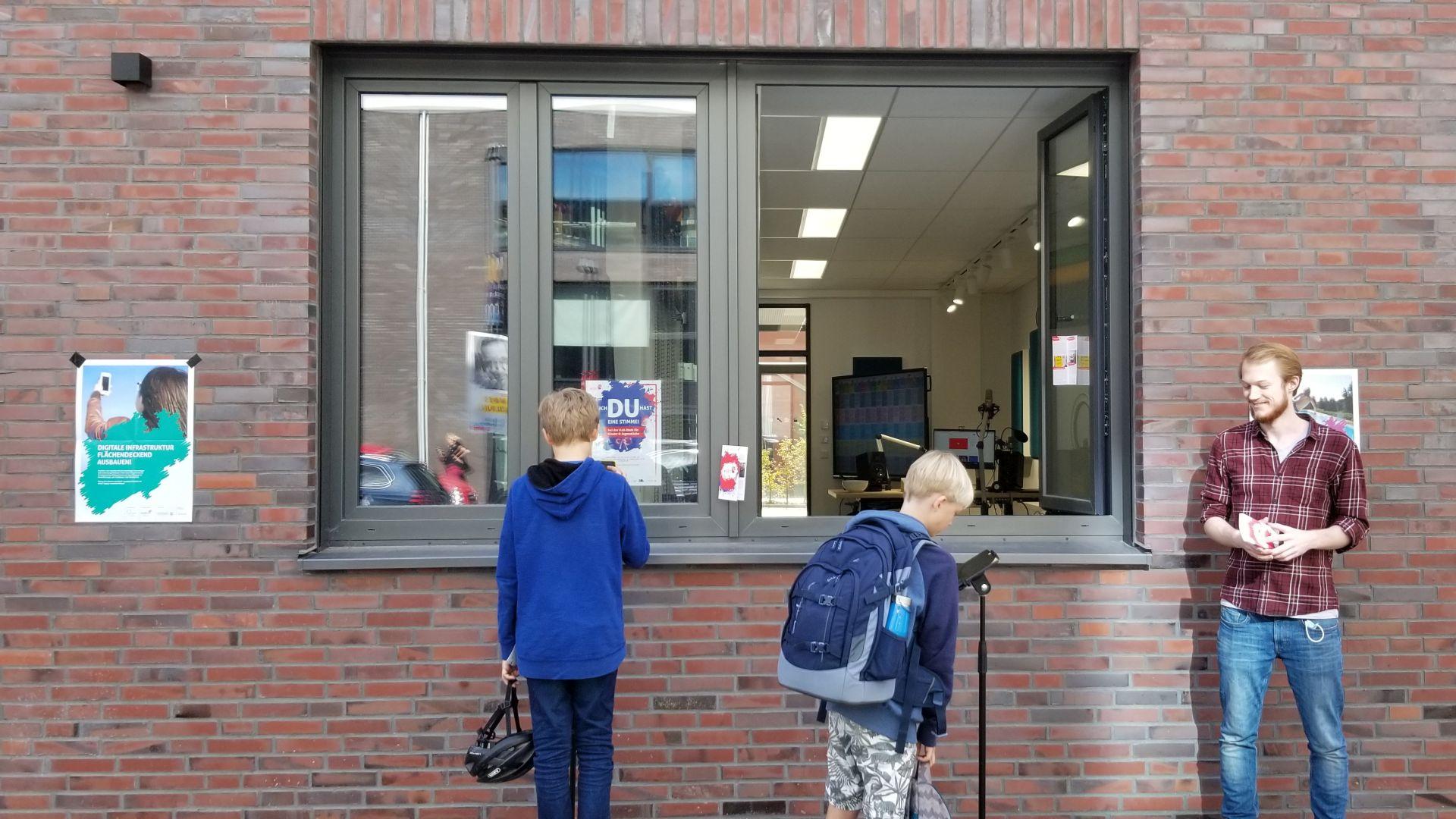 offenes Fenster zum jfc Medienzentrum